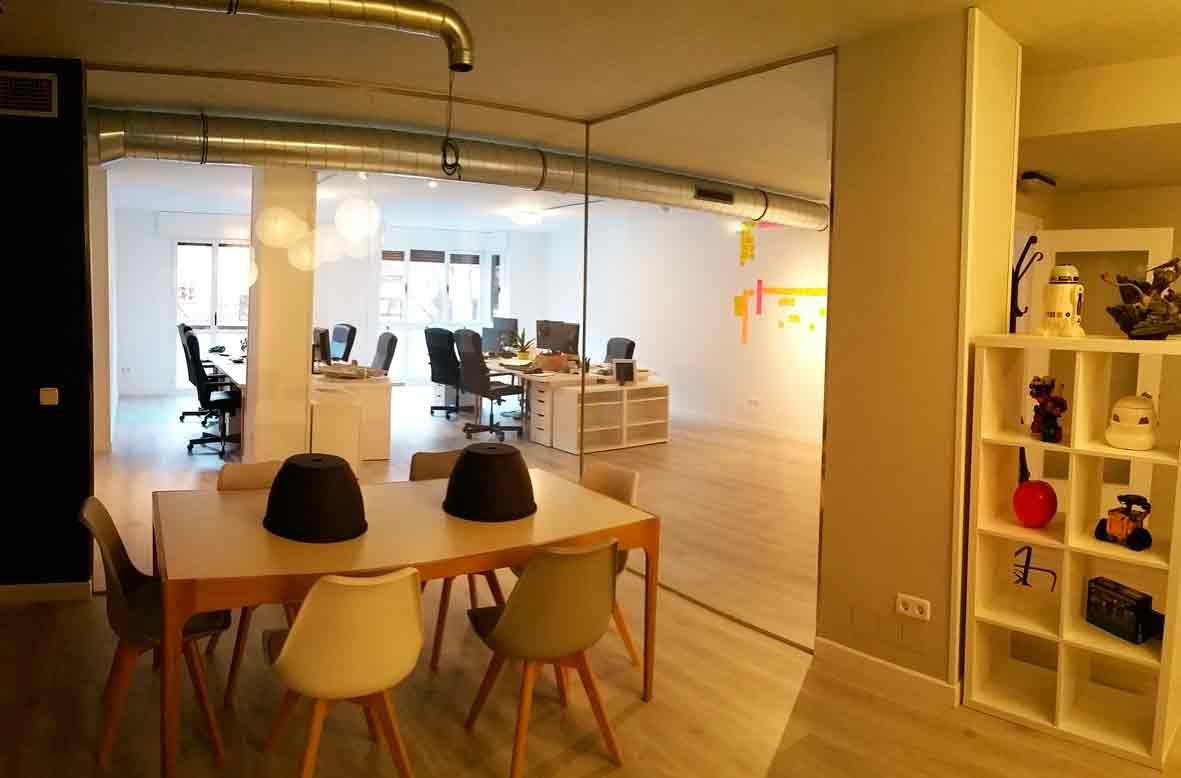 Proyecto y obra de reforma para oficina en madrid for Oficinas cajasur madrid
